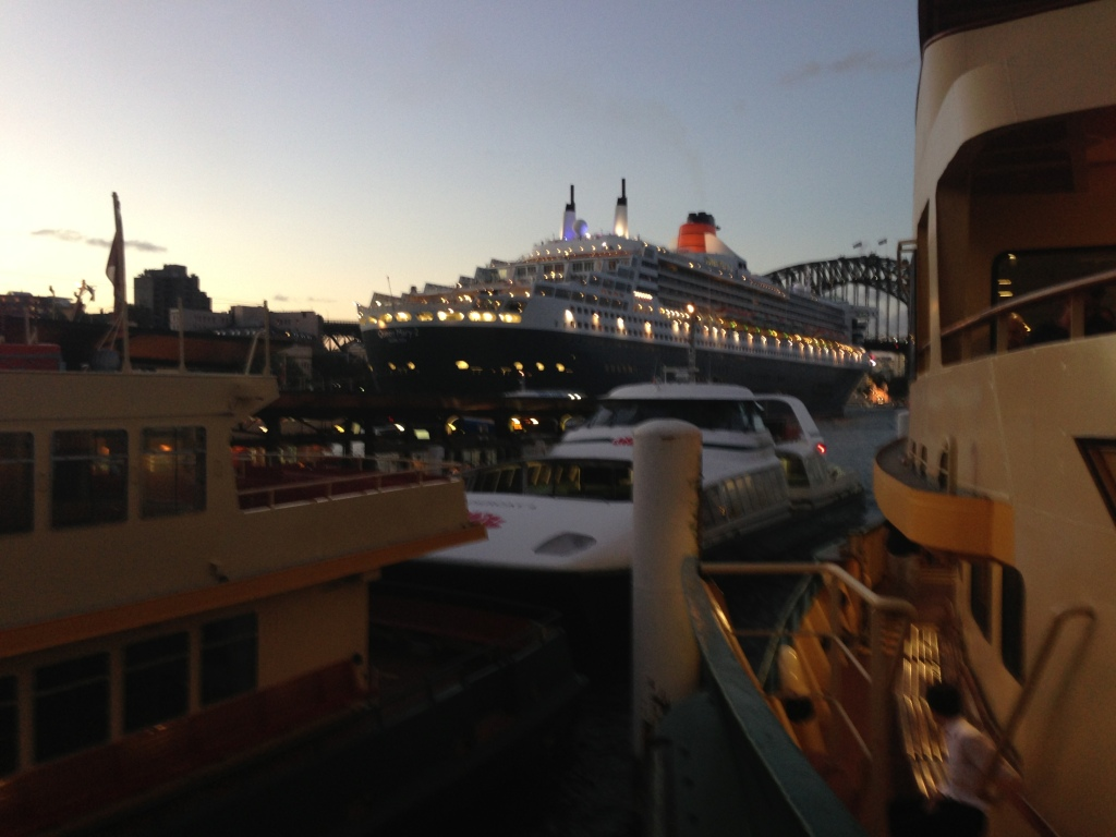Queen Mary 2 and smaller vessels